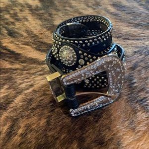 Accessories - Western leather bling belt with conchos